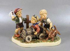 große Hummel KinderfigurGoebel, Hummel, Sonderauflage, Seifenkistenrennen, Serie Monents in Time,