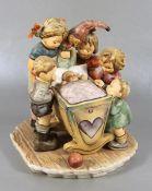 große Hummel-KinderfigurGoebel, Hummel, Century Collection, Das Nesthäkchen, große Figurengruppe aus