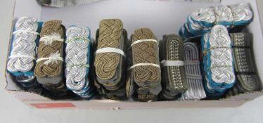 großer Satz NVA-Schulterstückeoriginal aus NVA-Beständen, ca. 100 Stk, ca. 50 Paar Schulterstücke,