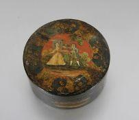 antike Lackdoserunde schwarz lackietre Dose, mit polychrom staffiertem Paar u. goldfarbenen