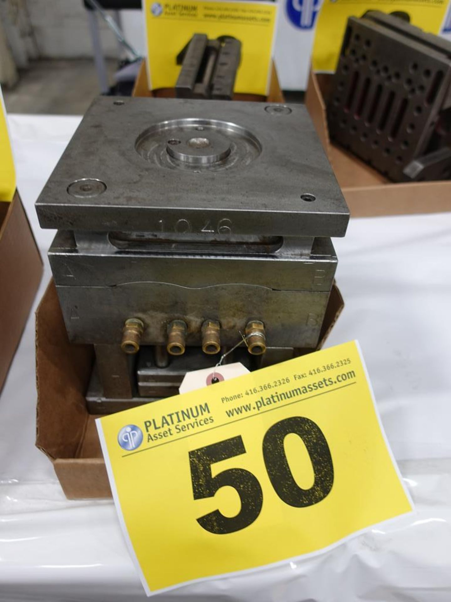 Lot 50 - INJECTION MOLD