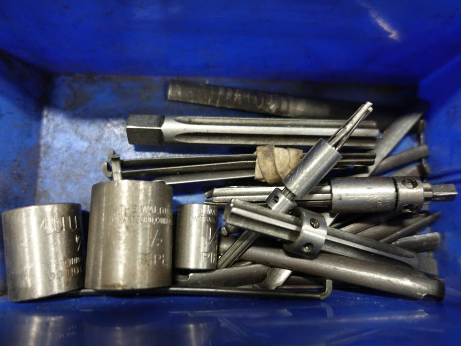 Lot 52 - LOT OF TAPS AND EJECTORS PINS