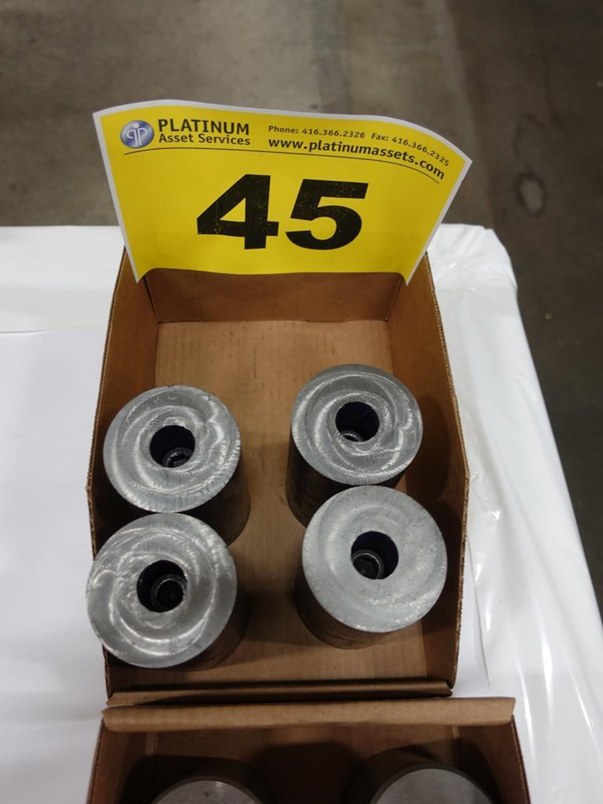 Lot 45 - LOT OF SPACERS
