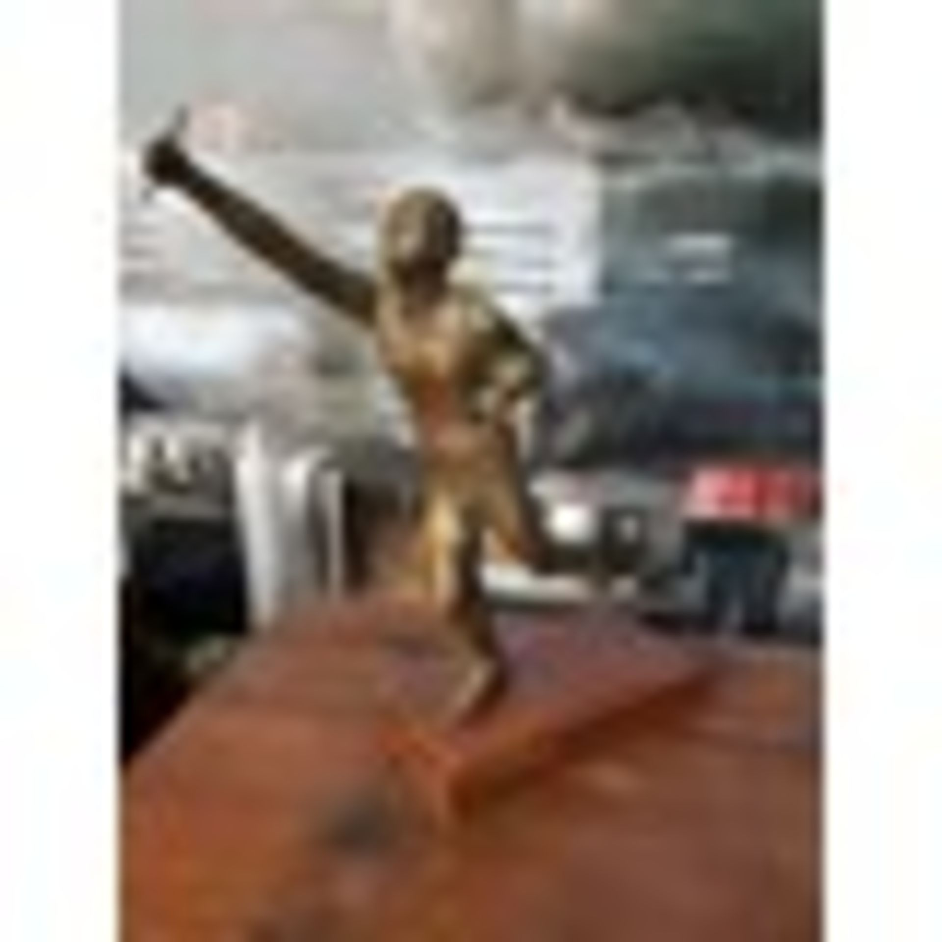 Lot 3 - Bronzed Resin Sport Man RS-08 Objets d'Art Decorative Accessories Carton 26 x 20 x 35cm MSRP £157
