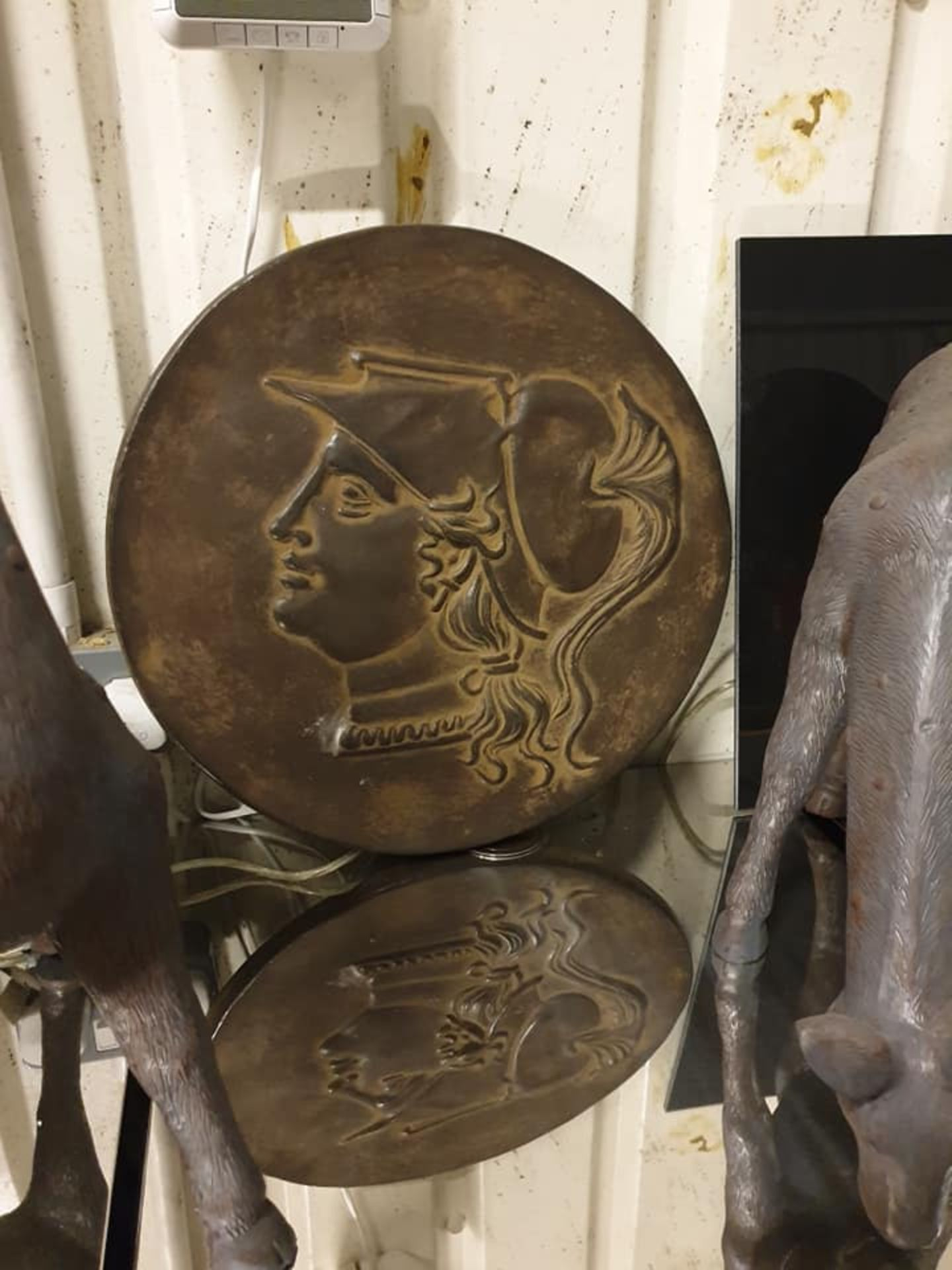Lot 1 - Bronzed Resin Sculpture Antique Coin Medallion B Objets d'Art Decorative Accessories 40cm Diameter