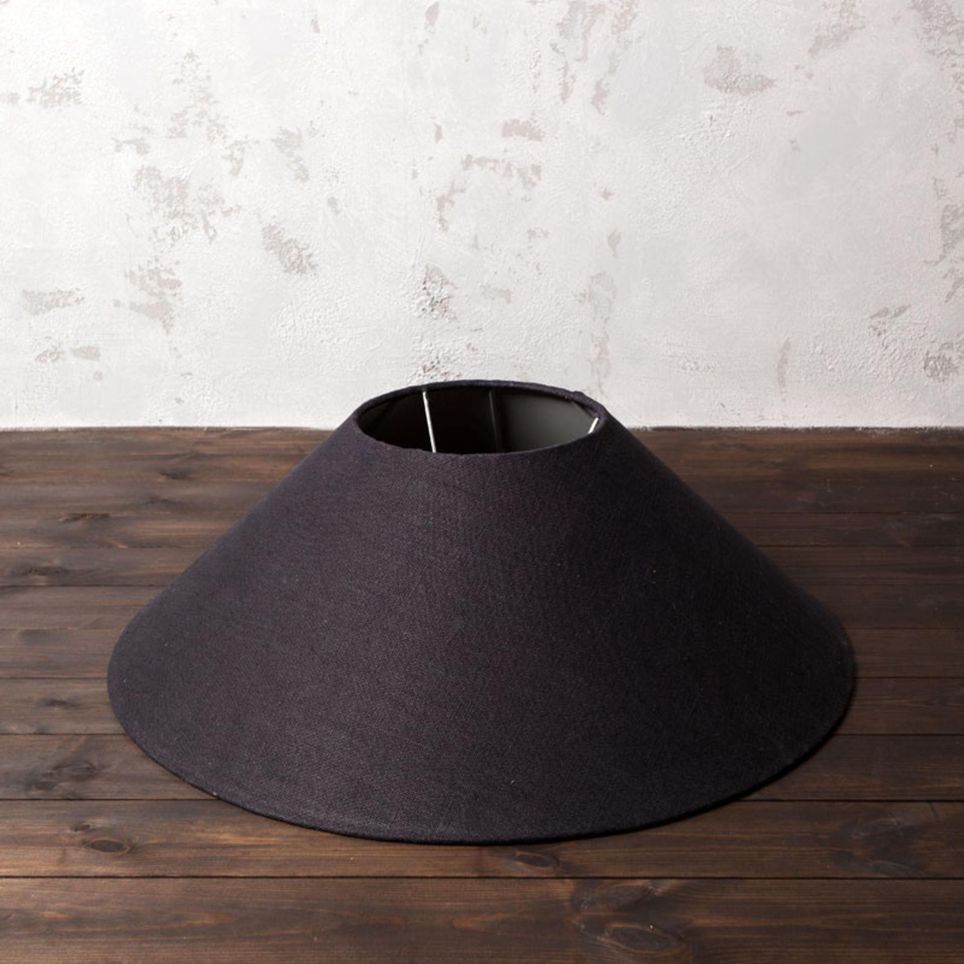 Lot 4 - Coolie Shade Hemp Charcoal 75 5 x 75 5 x 26cm The Rounded Shape And Opal Interiors Of These Coolie
