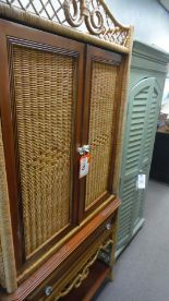 Lot 8 - WICKER LINEN ENTERTAINMENT CENTER