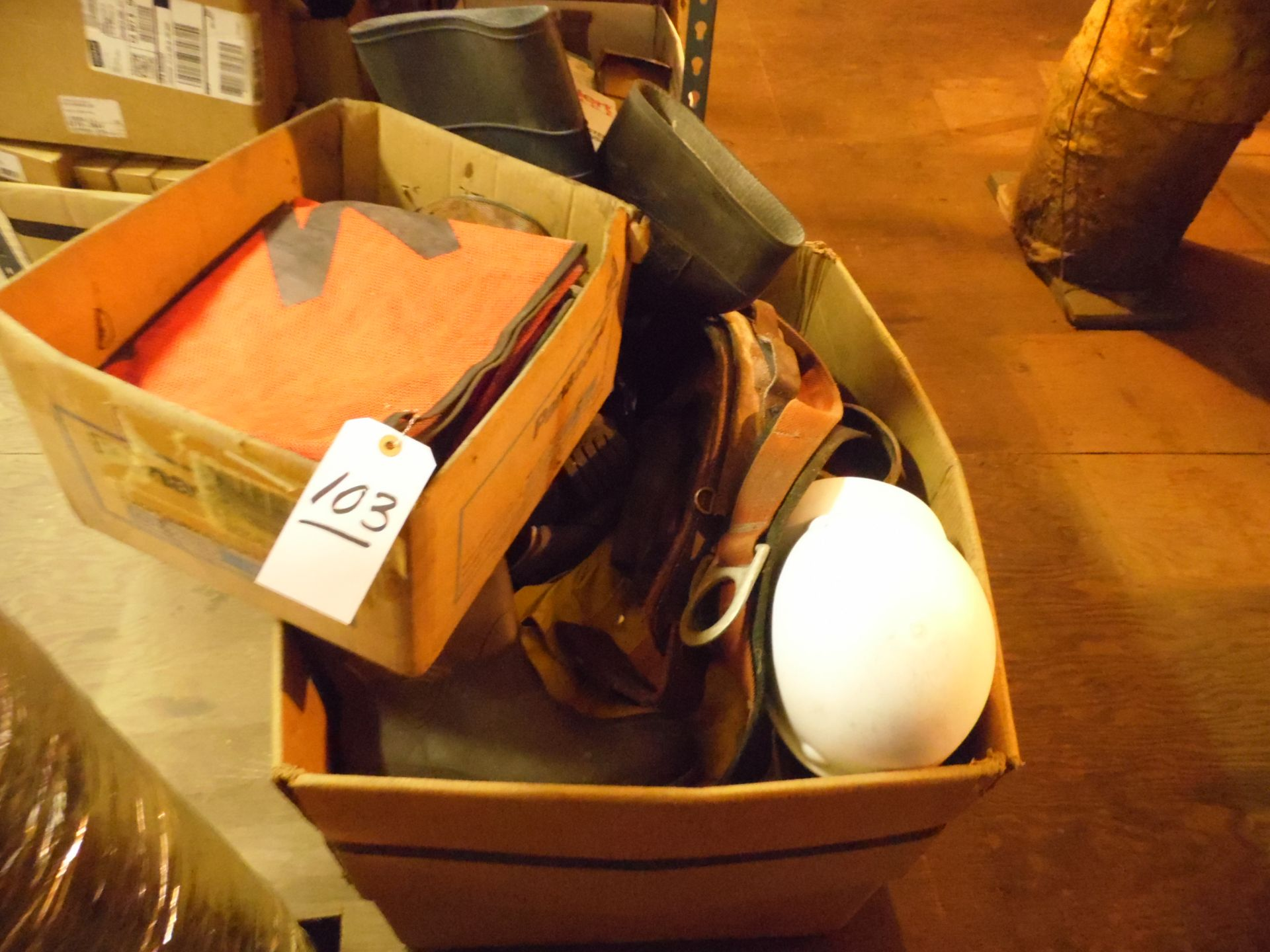 Lot 103 - SAFETY GEAR HARNESSES, BOOTS