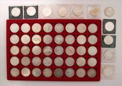 Konvolut Münzen51 diverse 10-DM Münzen. Zustand wie abgebildet.