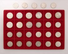Konvolut MünzenÖsterreich. 9 diverse 50-Schilling Münzen und 20 diverse 25-Schilling Münzen. Zustand