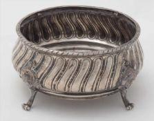 SilberschaleDeutsch 19. Jh. Silber 800. Auf vier eingerollten Rocaillefüßen stehende Schale mit