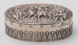 TafeldoseDeutsch, 19. Jh. Silber 800. Ovale Scharnierdeckeldose mit fein ausgearbeiteter