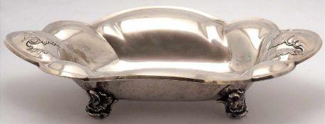 ObstschaleFreiburg 20. Jh. Silber 835. Barockform auf Rocaillenfüßen und tiefgemuldeter Fond.