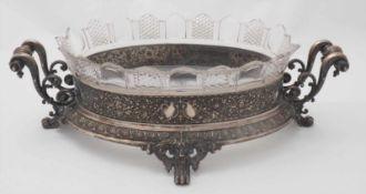 Jardiniere HistorismusDeutsch Silber 800. Auf vier eingerollten Füßen mit Löwenkopf sitzende