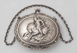Geldbörse19. Jh. Silber. Seltene ovale Geldbörse mit der Darstellung eines galoppierenden