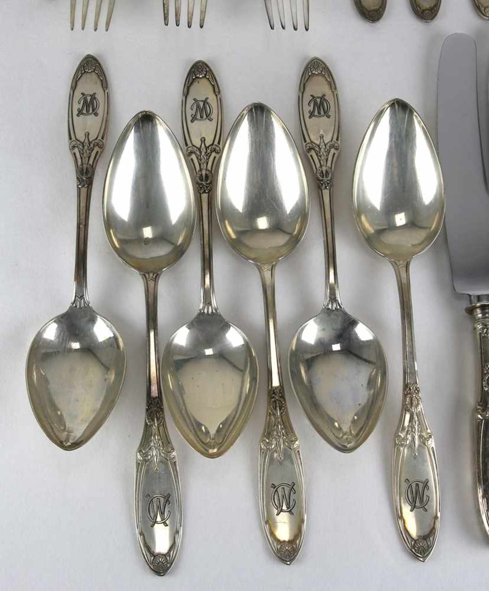 Speisebesteck für sechs PersonenDeutsch um 1900. Silber 800 punziert, Halbmond, Krone und - Bild 2 aus 6