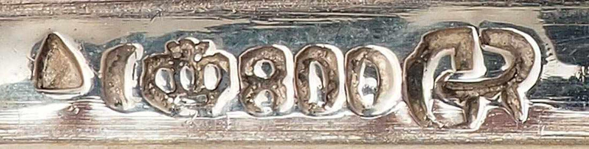 Tafelbesteck für sechs PersonenGebr. Reiner, Krumbach. Griffe in bewegter Form. Je sechs - Bild 3 aus 3