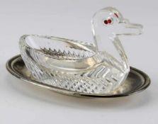 SaliereWohl Russland mit deutschem Einfuhrstempel Silber 800. Glaskörper in Form einer Ente und