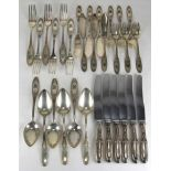 Speisebesteck für sechs PersonenDeutsch um 1900. Silber 800 punziert, Halbmond, Krone und