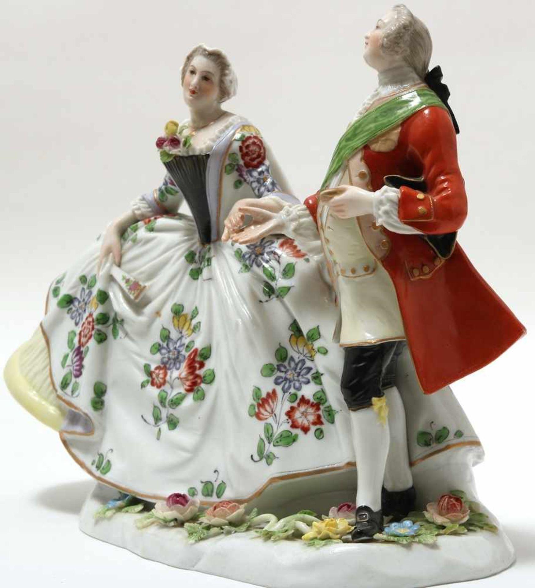 FigurengruppeFrankenthal 18. Jh. Kavalier mit Dame im Krinolinenrock. Porzellan mit aufbossierten - Bild 3 aus 10