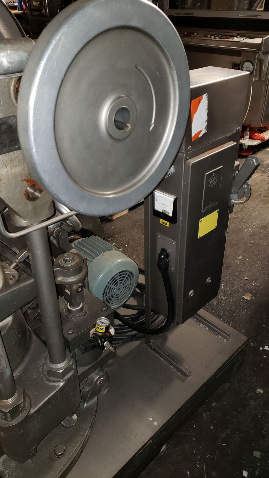 Lot 183 - Key Industries DS3 Rotary Tablet Press, 16 station, D-tooled, keyed upper punch guides, single sided