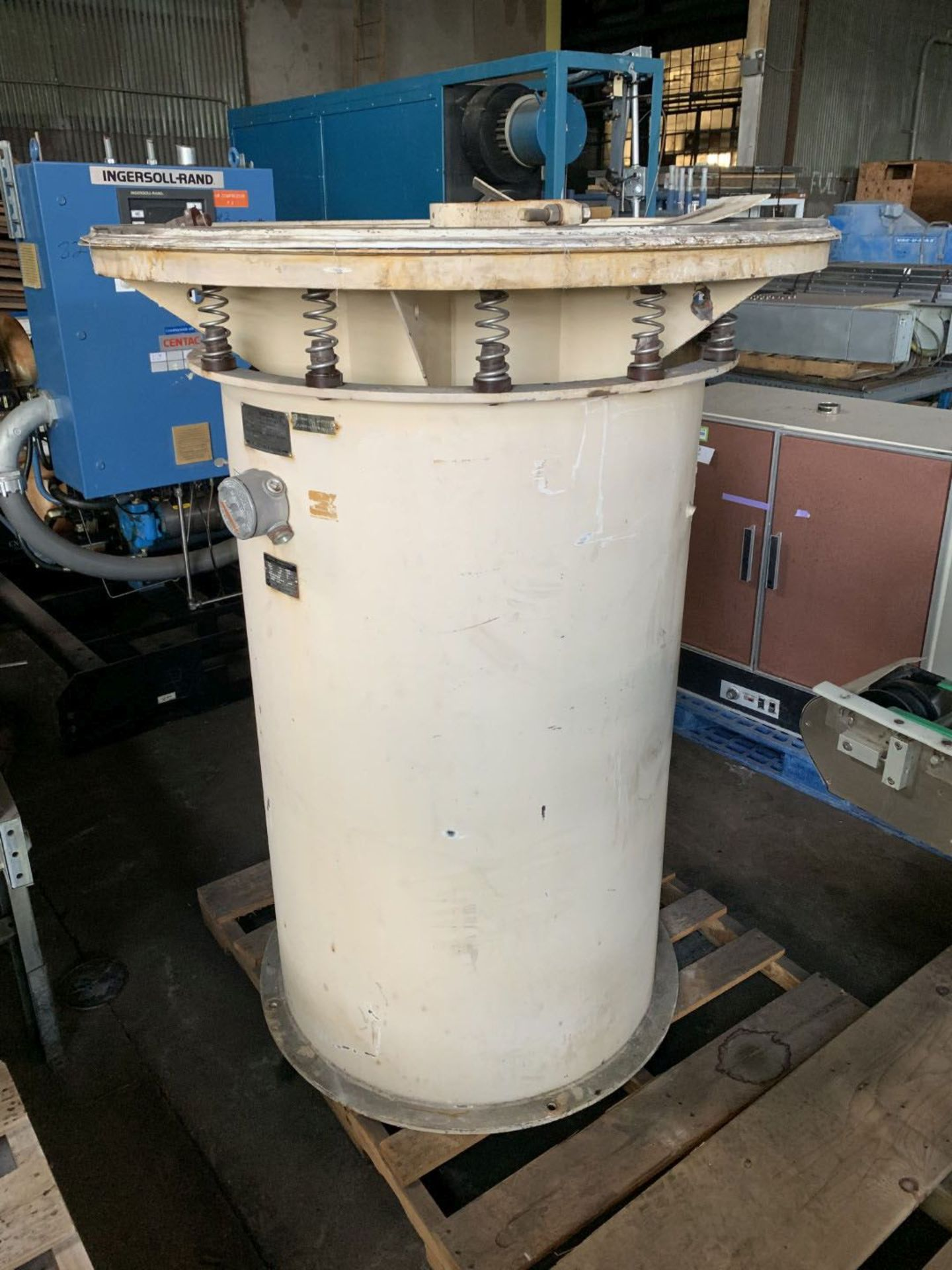 """Lot 41 - 48"""" Sweco screen, model US48S88, stainless steel"""