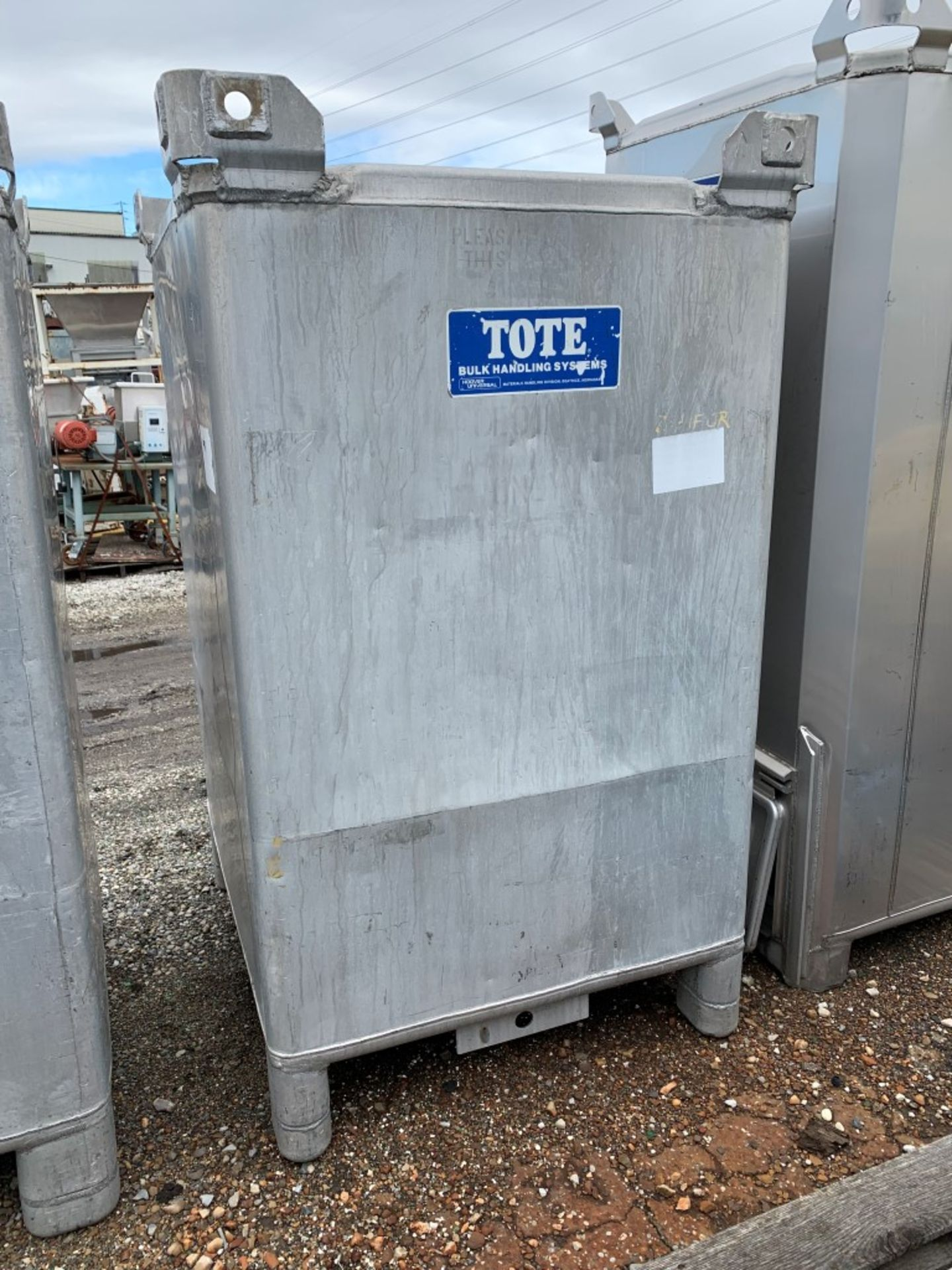 Lot 28 - 74 Cu Ft Tote Systems Tote Bin, Aluminum