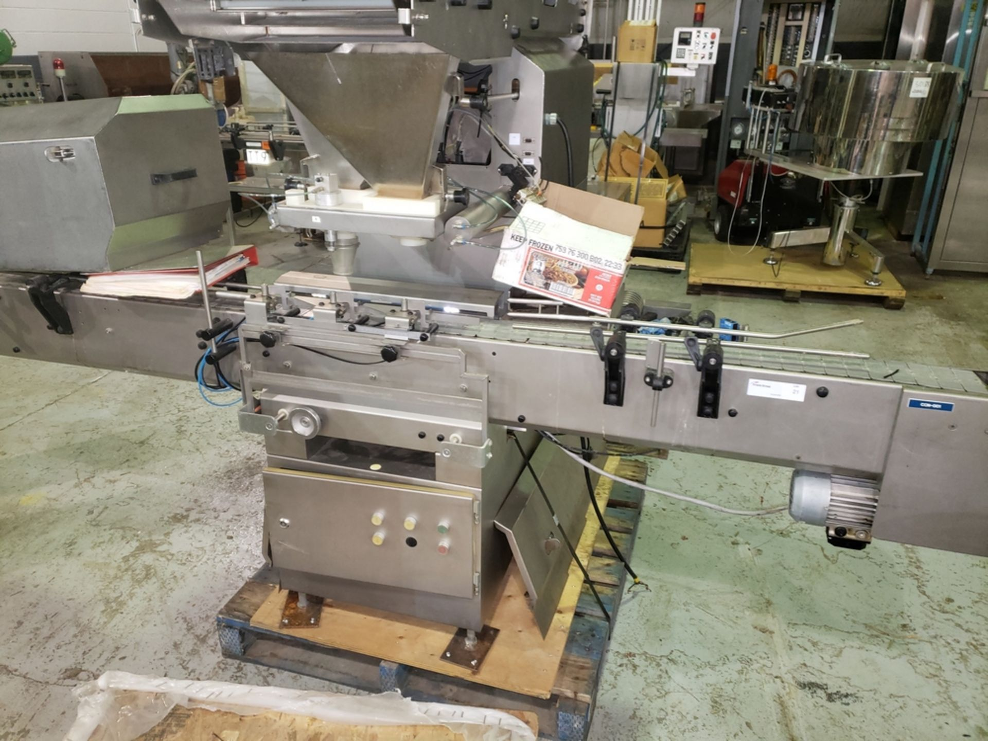 Lot 21 - Cremer tablet counter, model CF-1230, stainless steel Contacts **See Auctioneers Note**