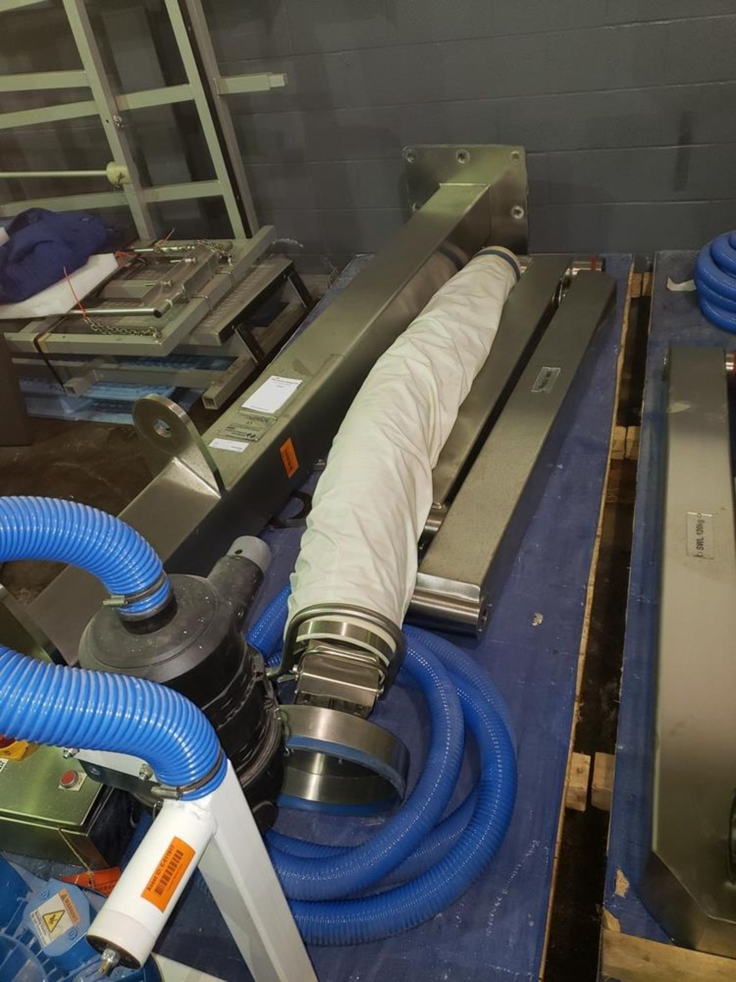 Lot 10 - UnUsed Palmatic gantry vacuum lift assist unit, model PalPharma Vac, stainless steel frame, 120 kg