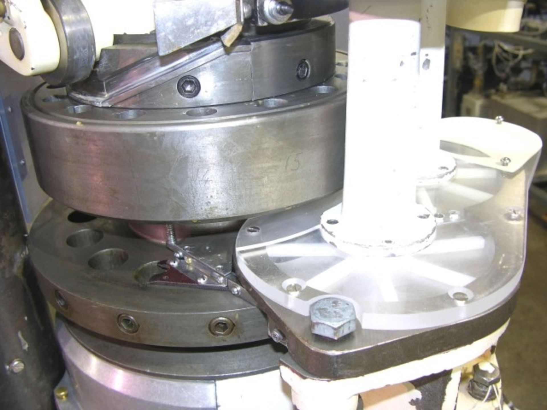 Lot 20 - Manesty Betapress rotary tablet press, 16 station, keyed upper punch guide, single sided, provision