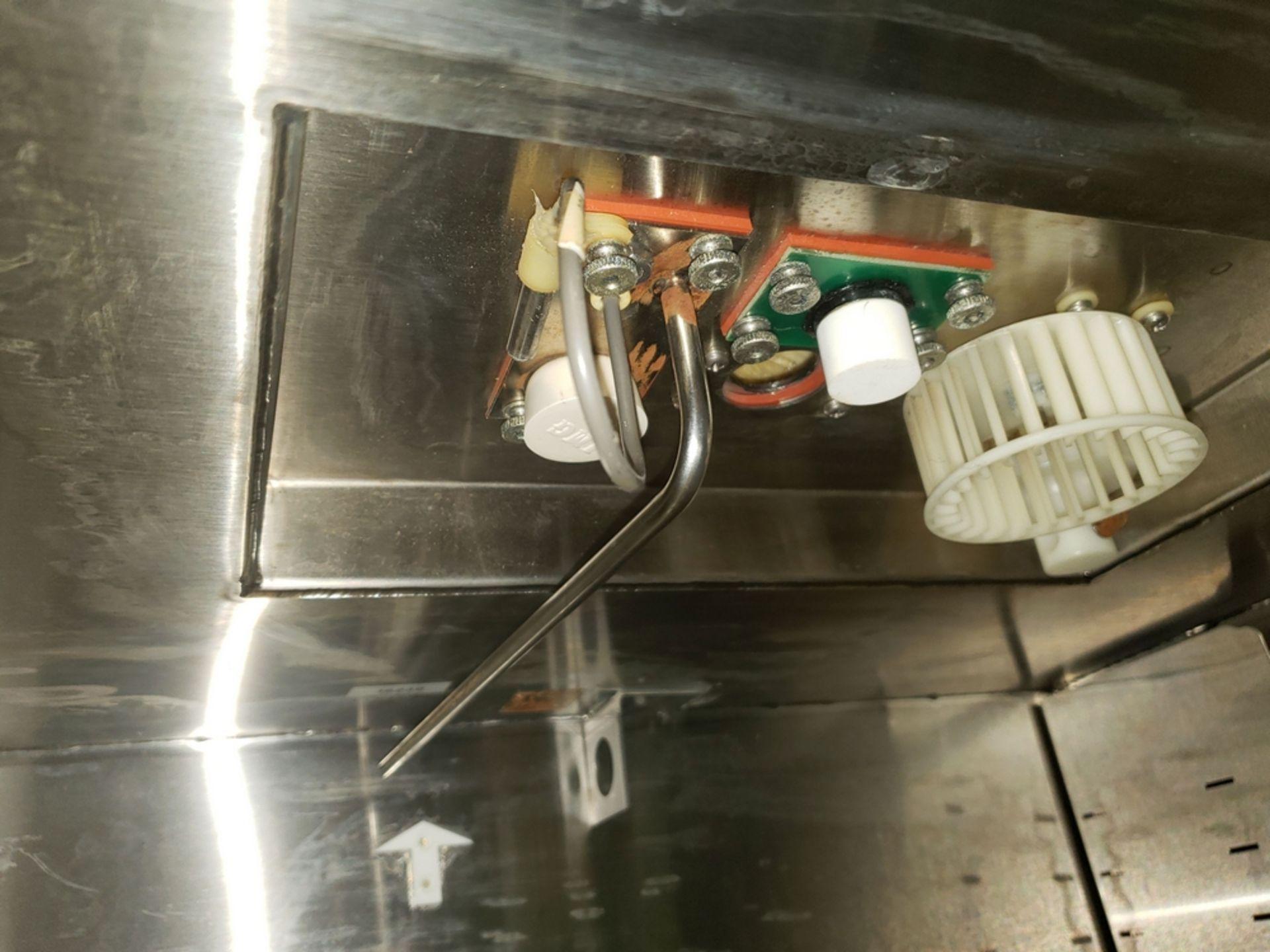 "Lot 7 - Revco/Lindberg incubator, model RCO3000TABA, 28"" high x 19"" wide x 18"" deep chamber, 120 volts,"
