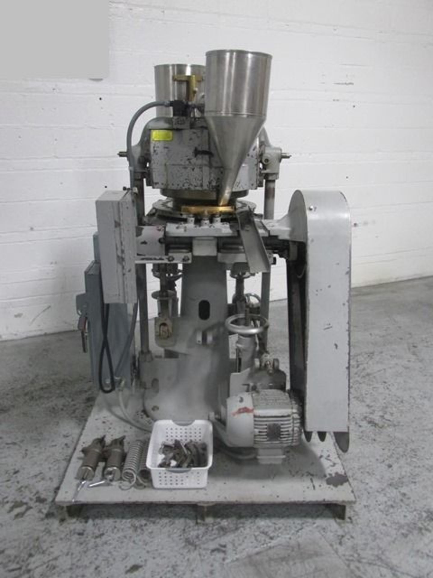Lot 30 - Stokes rotary tablet press. model 900-513-2, 27 station, double sided, keyed upper punch guides,