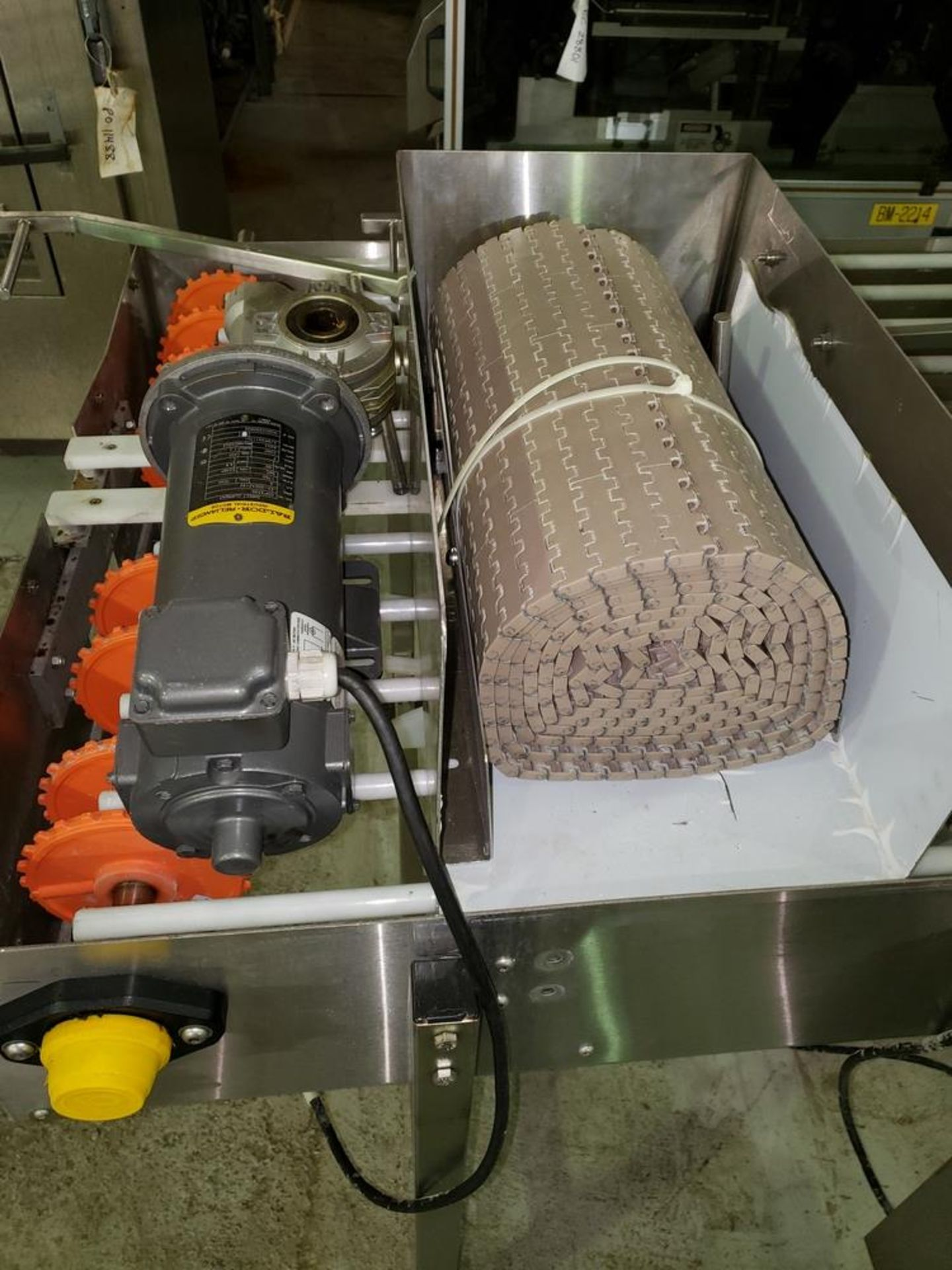 "Lot 36 - NJM/CLI Bi flow conveyor, model TACO-S014, 30"" wide x 64"" long, with individual .5 hp dc conveyor"