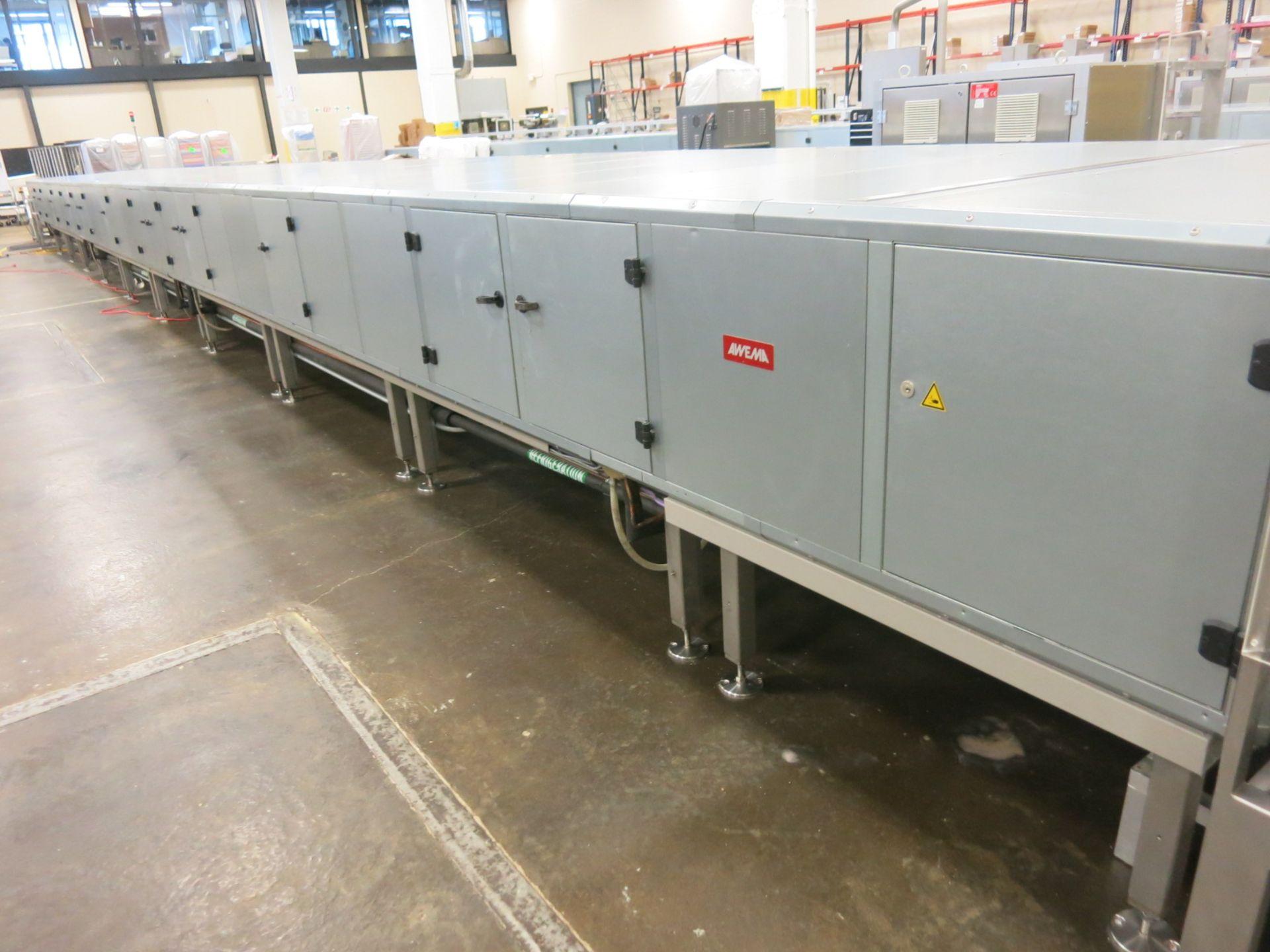 Lot 114 - Molding System