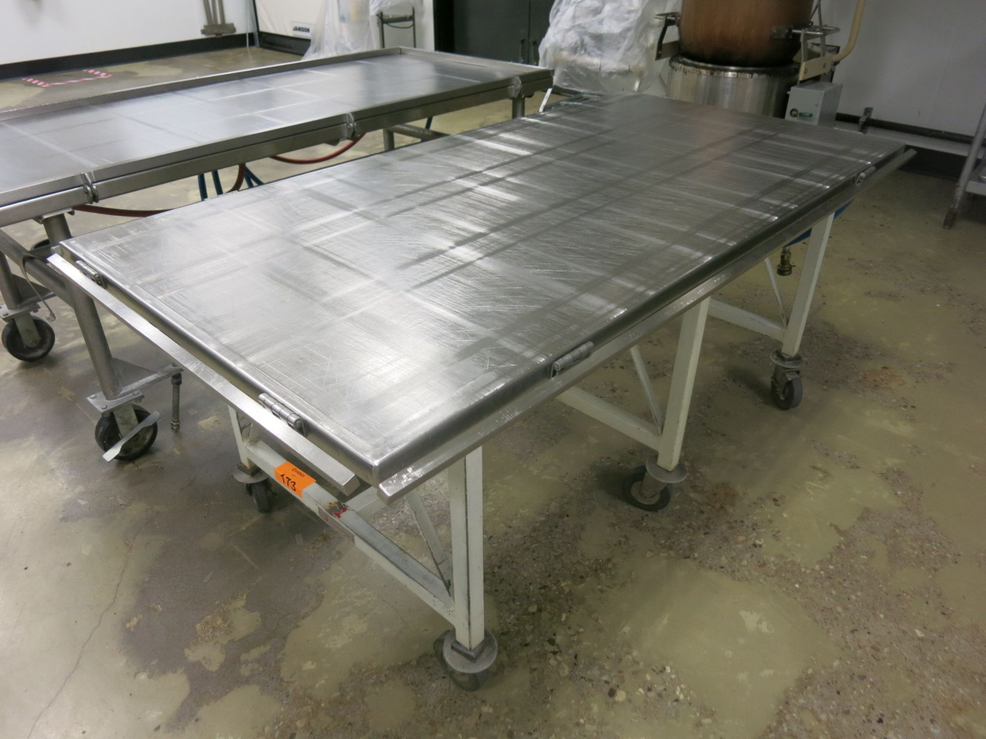 Lot 173 - Hot/Cold Table