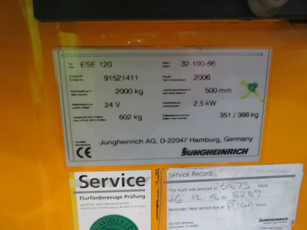 Lot 35 - 2006 JUNGHEINRICH MODEL ESE 120 2000KG RIDE-ON ELECTRIC PALLET TRUCK