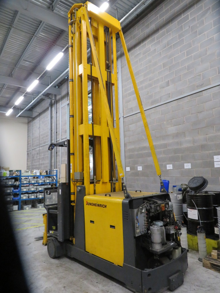 Lot 16 - 2006 JUNGHEINRICH MODEL EKX 515 1500KG ELECTRIC HIGH RACK STACKER TRUCK