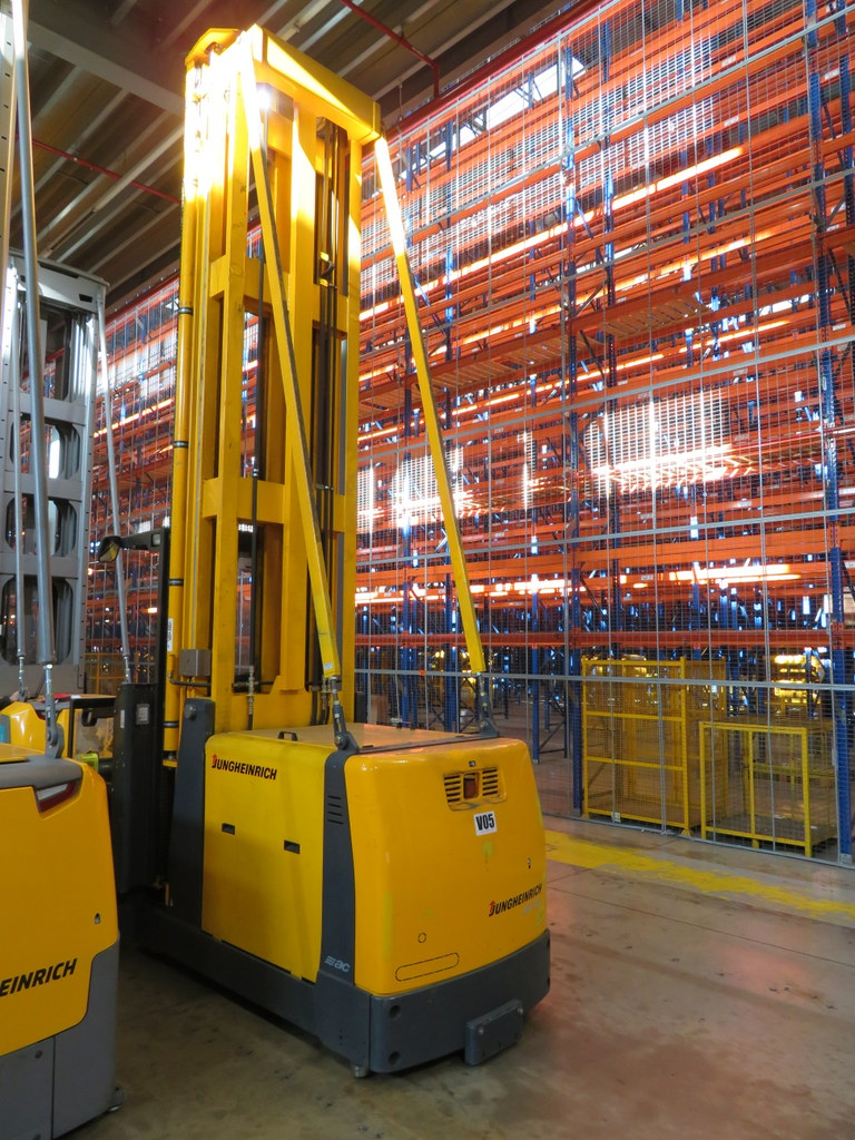 Lot 17 - 2006 JUNGHEINRICH MODEL EKX 515 1500KG ELECTRIC HIGH RACK STACKER TRUCK