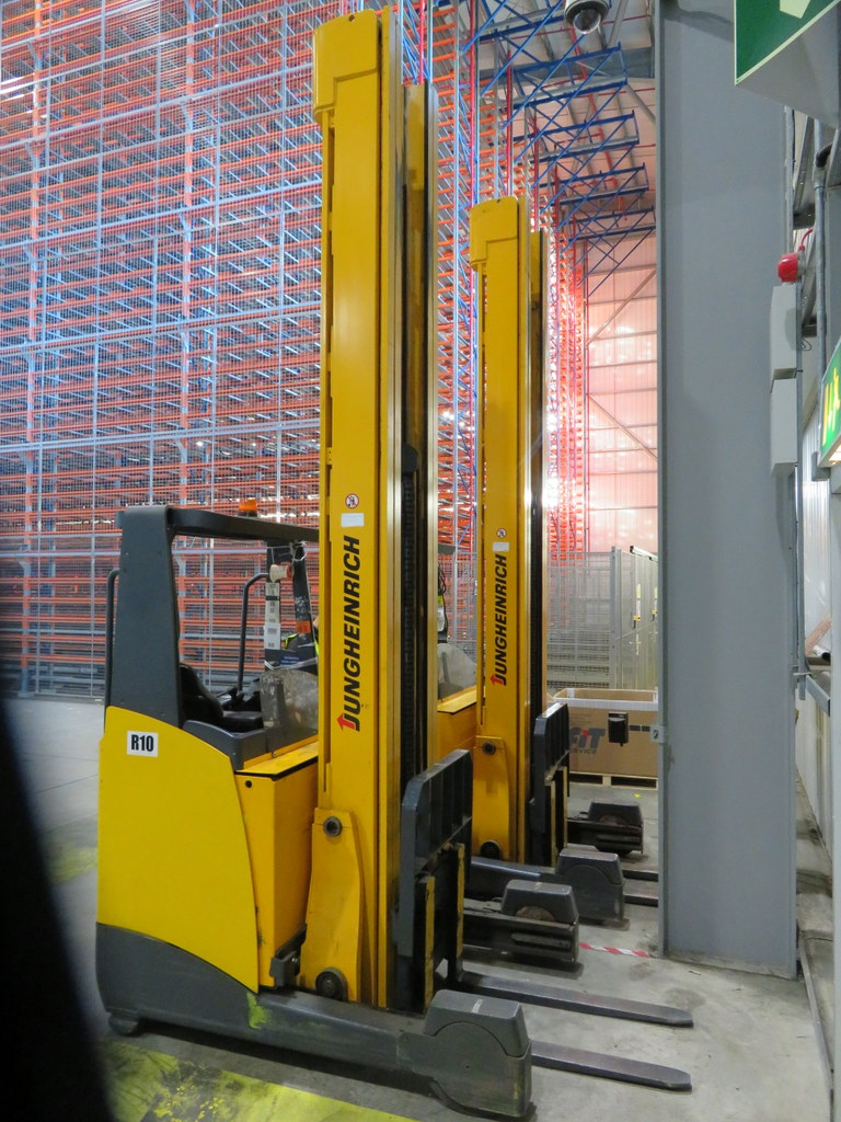 Lot 1 - 2008 JUNGHEINRICH MODEL ETV 320 2000KG ELECTRIC REACH TRUCK