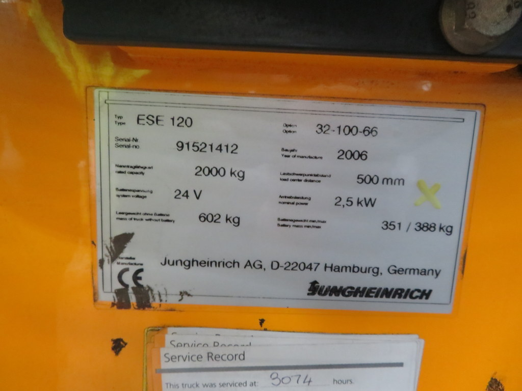 Lot 36 - 2006 JUNGHEINRICH MODEL ESE 120 2000KG RIDE-ON ELECTRIC PALLET TRUCK