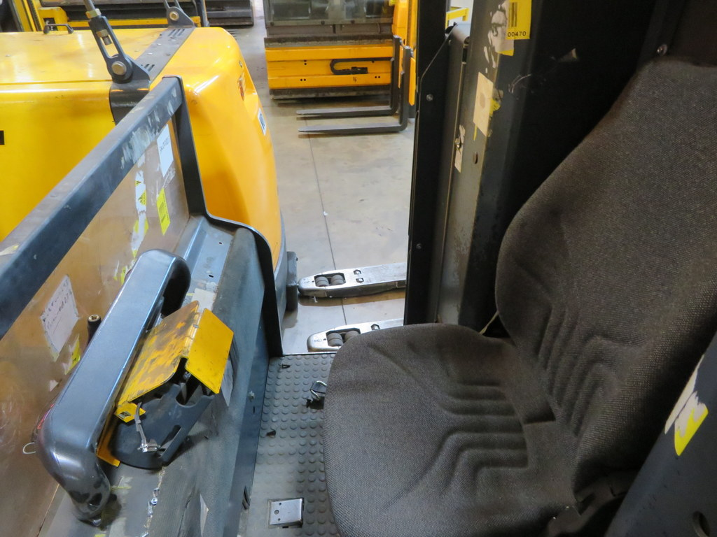 Lot 22 - 2006 JUNGHEINRICH MODEL EKX 515 1500KG ELECTRIC HIGH RACK STACKER TRUCK