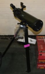 Lot 26 - Celestron Explorascope Telescope on tripod