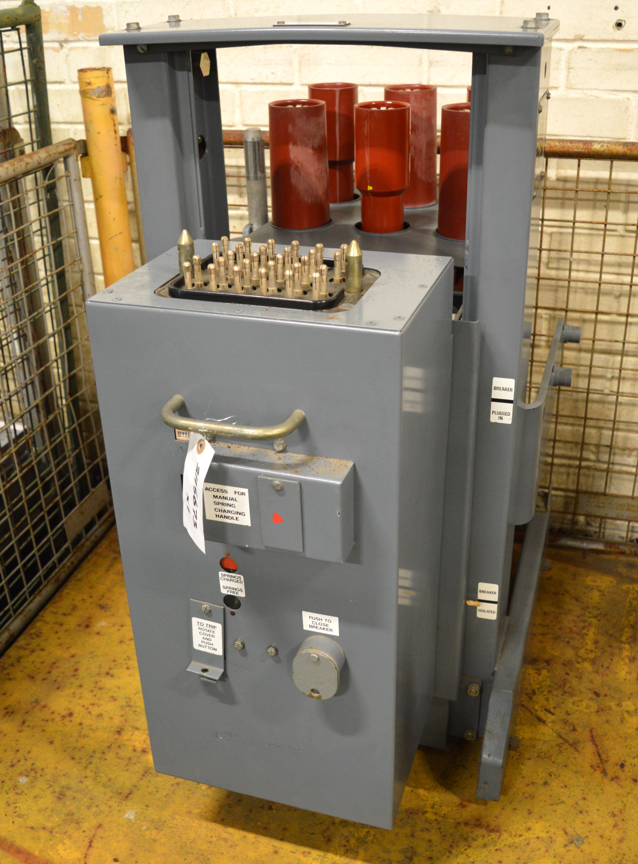 Lot 35 - GEC Transformer / Circuit Breaker Unit.