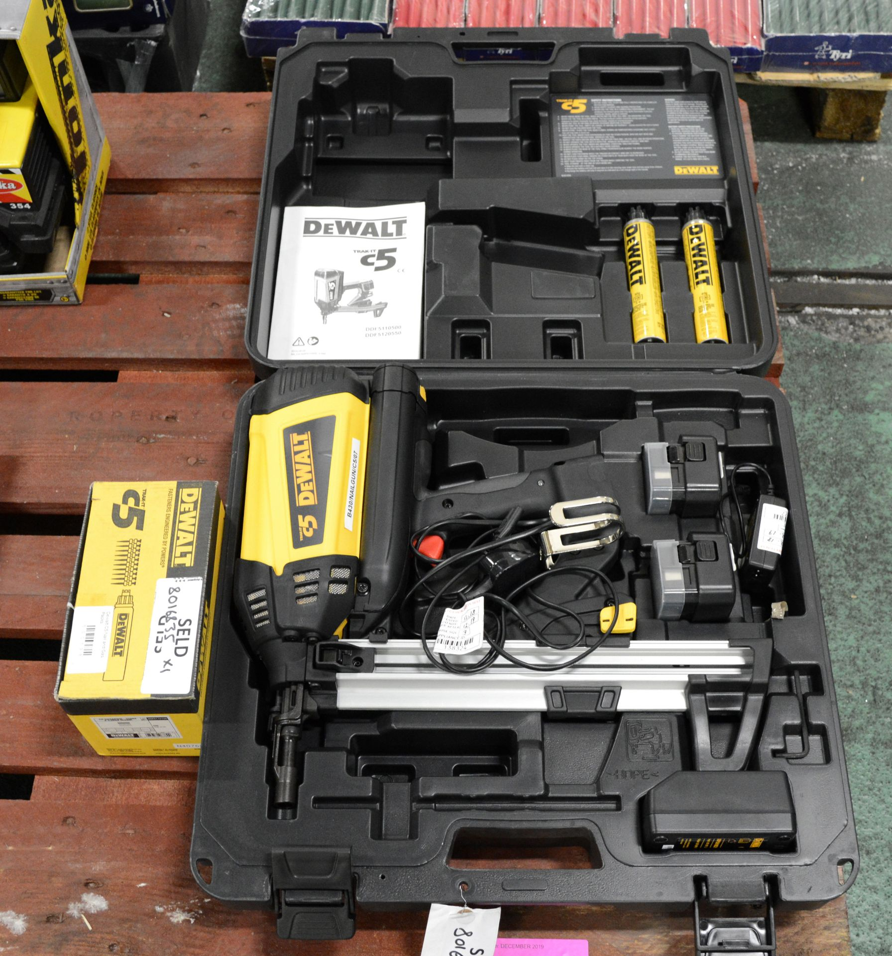 Lot 1722 - DeWalt C5 Trak-It Gas Actuated Nail Gun with Nails & Gas Cartridges.