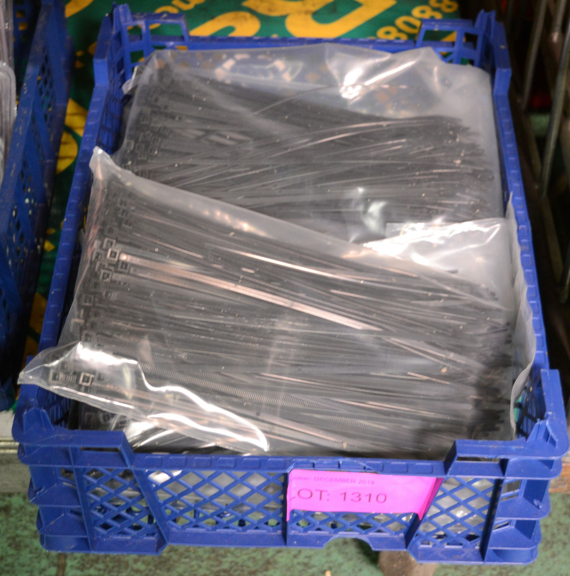 Lot 1310 - 1000x Cable Ties - Type 1.
