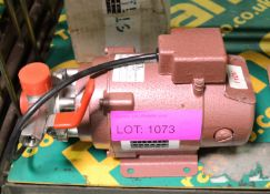 Lot 1073 Image