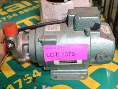 Lot 1079 Image