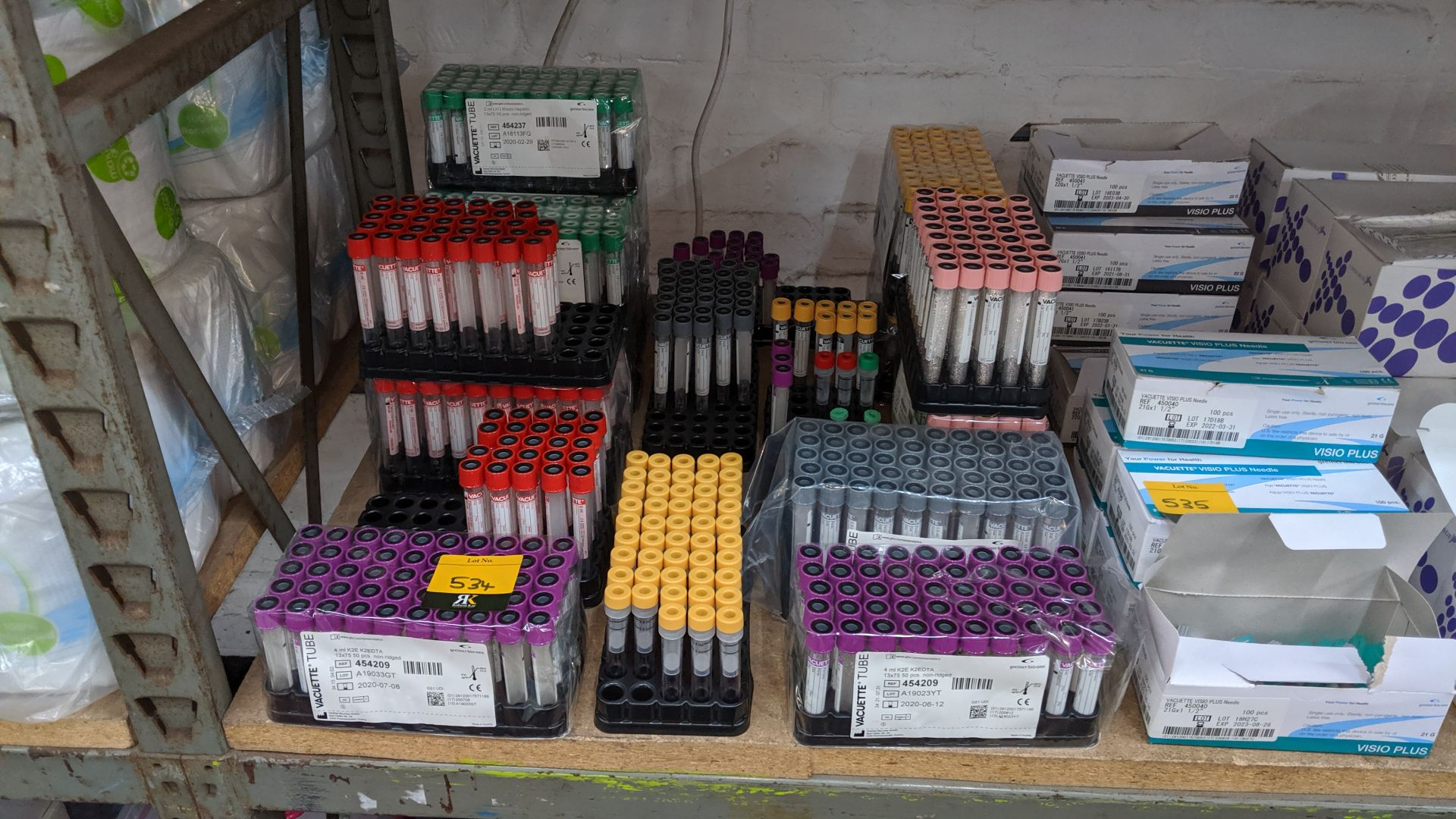 Lot 534 - Large quantity of medical sample tubes. This is one of a large number of lots used/owned by One To