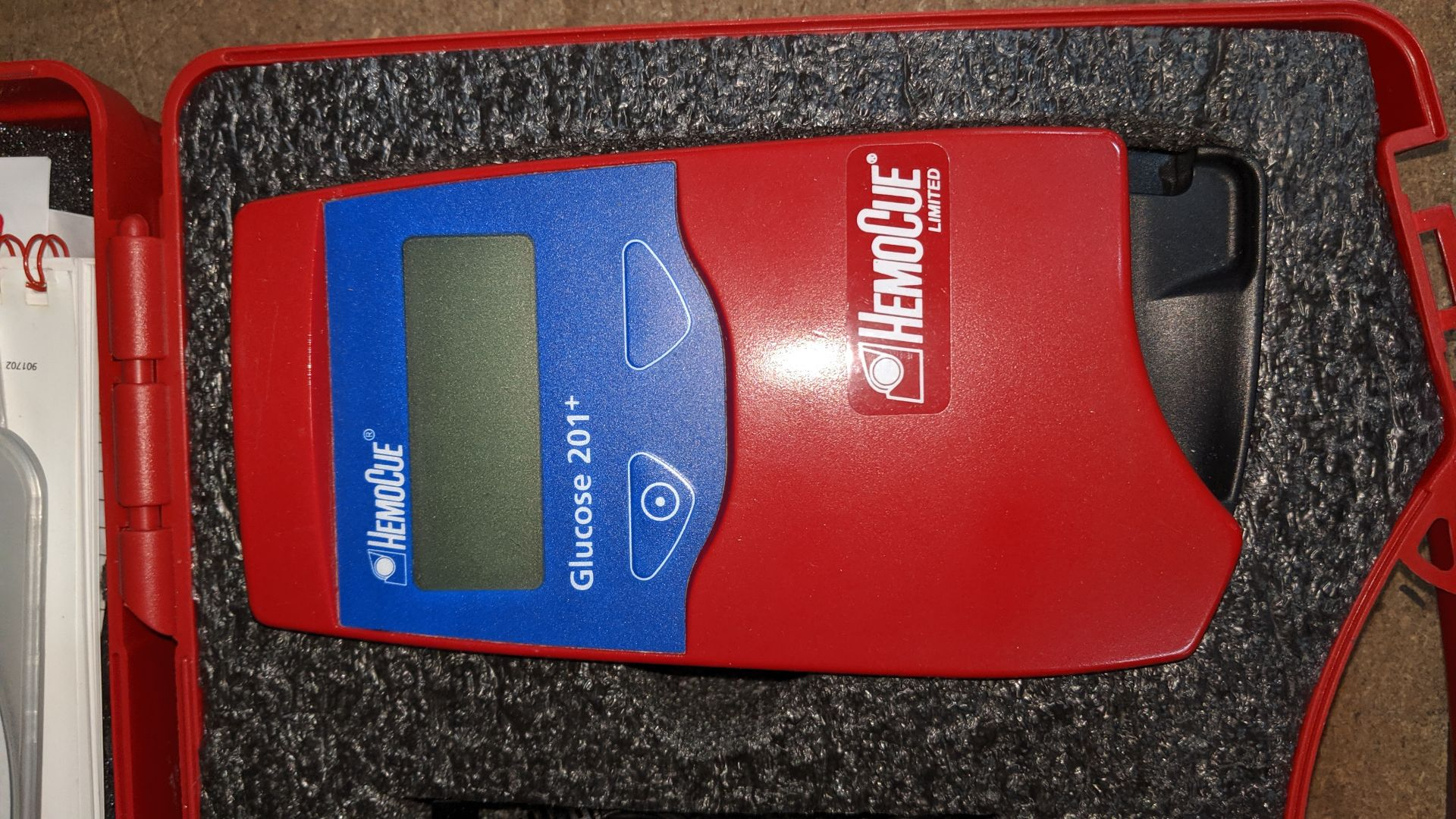 Lot 530 - HemoCue Glucose 201+ monitoring system in case. This is one of a large number of lots used/owned