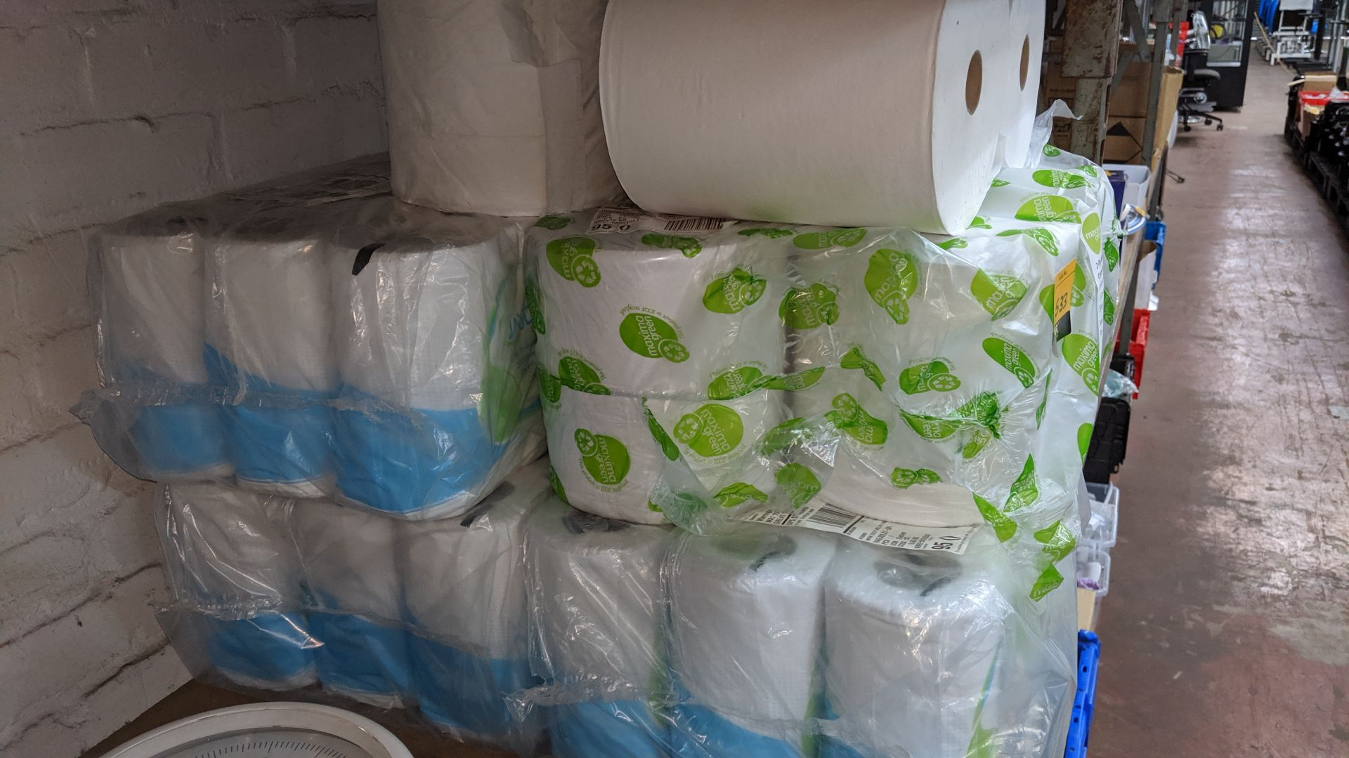 Lot 533 - Quantity of assorted types of paper towel. This is one of a large number of lots used/owned by One